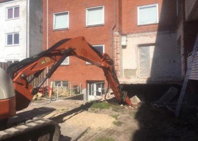 Nedbrydning af bygning